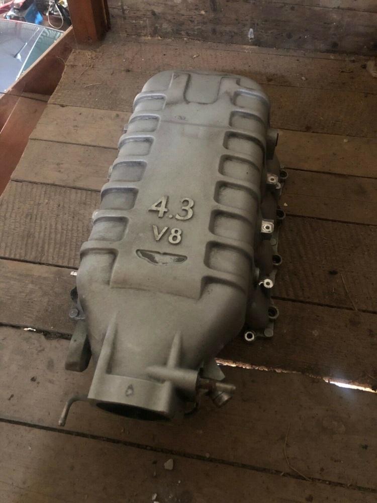 Aston Martin 4.3L V8 Vantage Intake Manifold 6G33-9424-AD