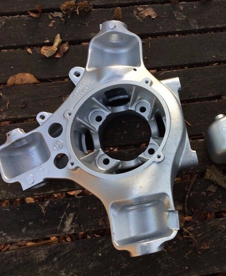 Ferrari 360 / F430 RH Front / LH Rear Steering Knuckle / Stub Axle - 179328