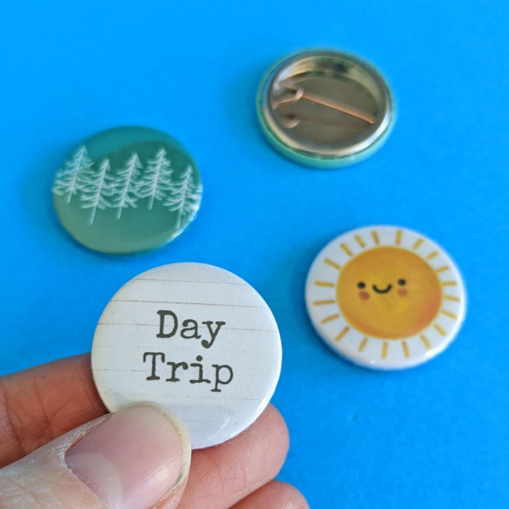 Day Trip badge set