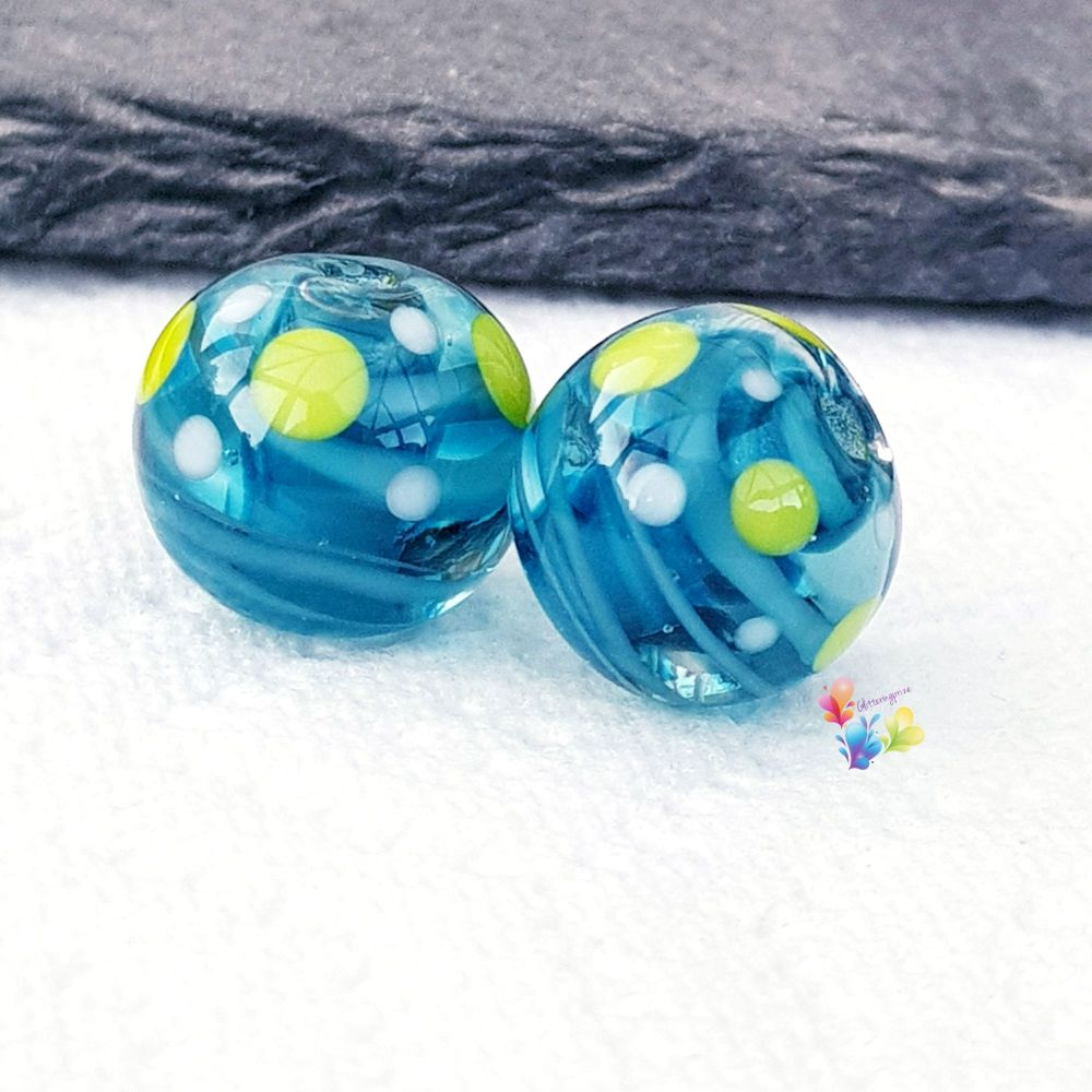 Steel Blue Ribbon with Green  & White Spots Round  Glass Lampwork Beads