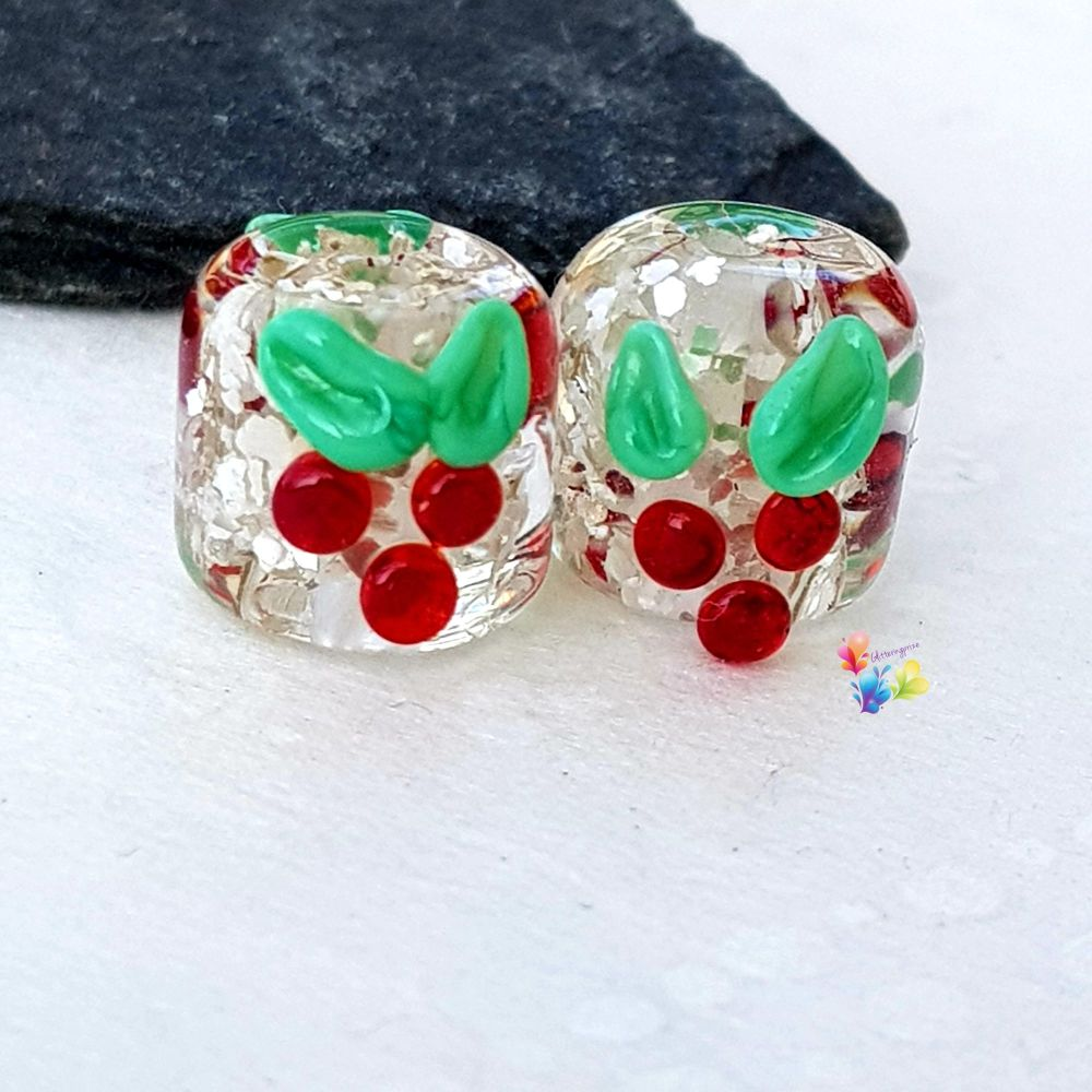 Silver Glitter Holly Lampwork Beads