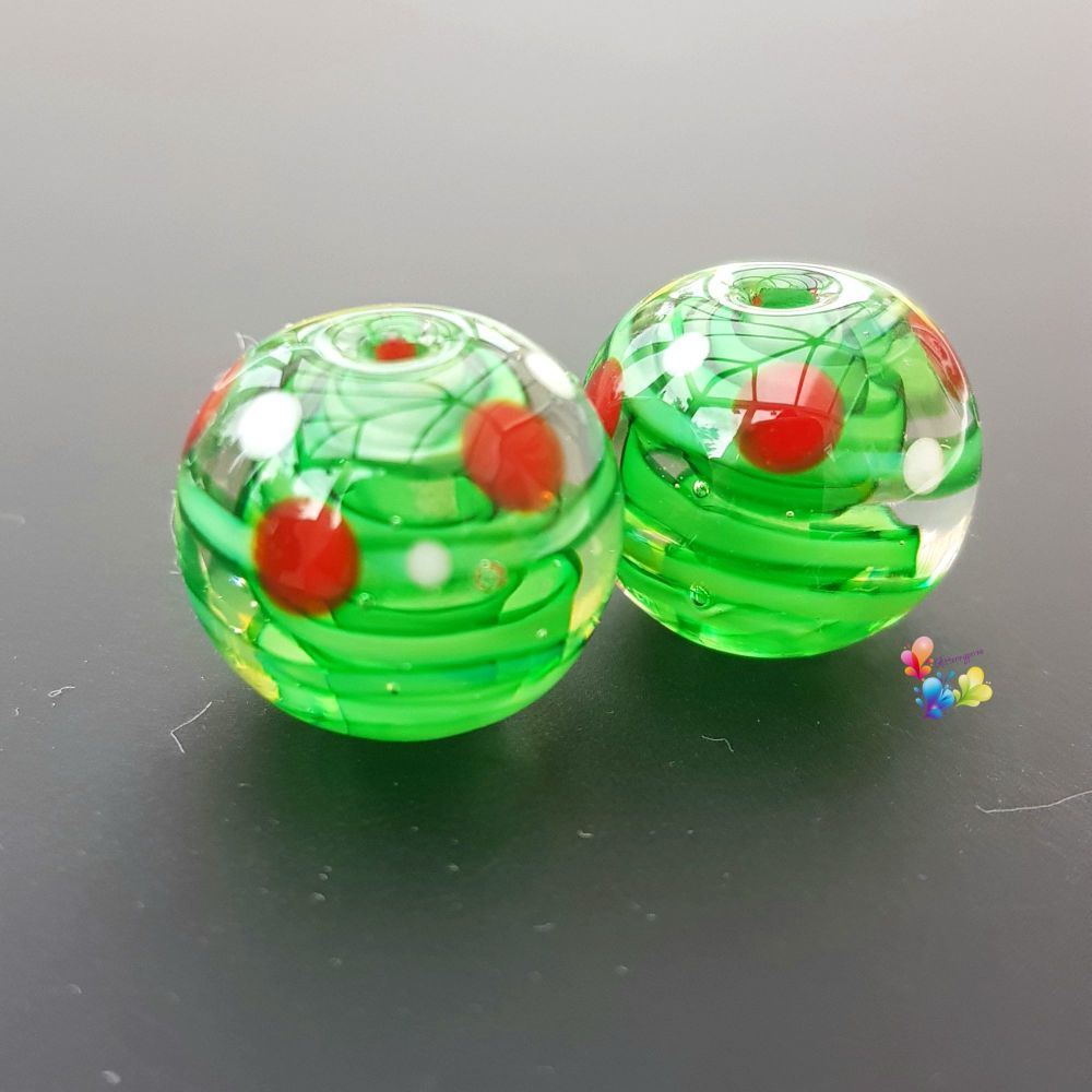 Green Ribbon Christmas Spot Pair Lampwork Beads
