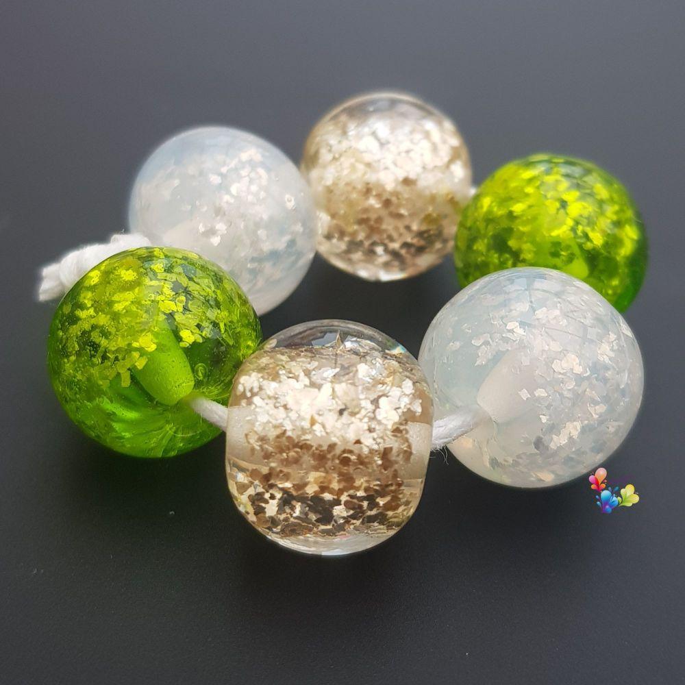 Mistletoe Glitter Trio Lampwork Beads