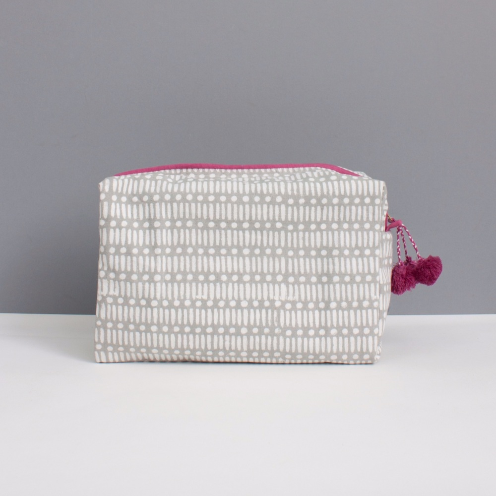 Wash Bag Dot Dash Grey