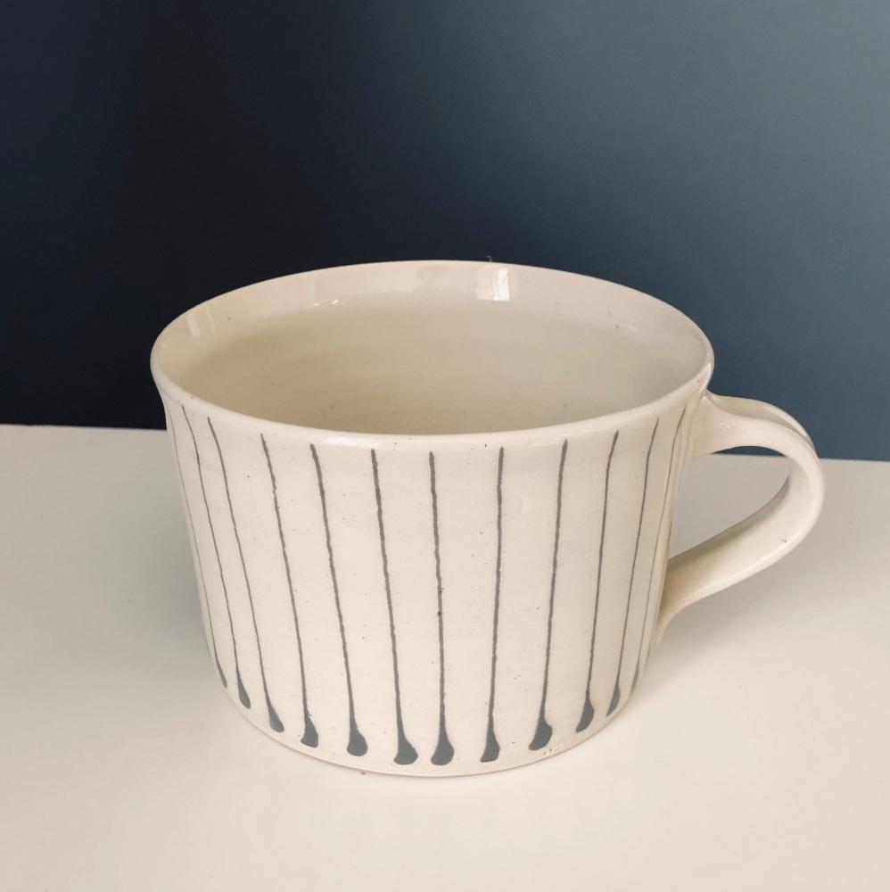 WW Mug Squat Lines Warm Grey