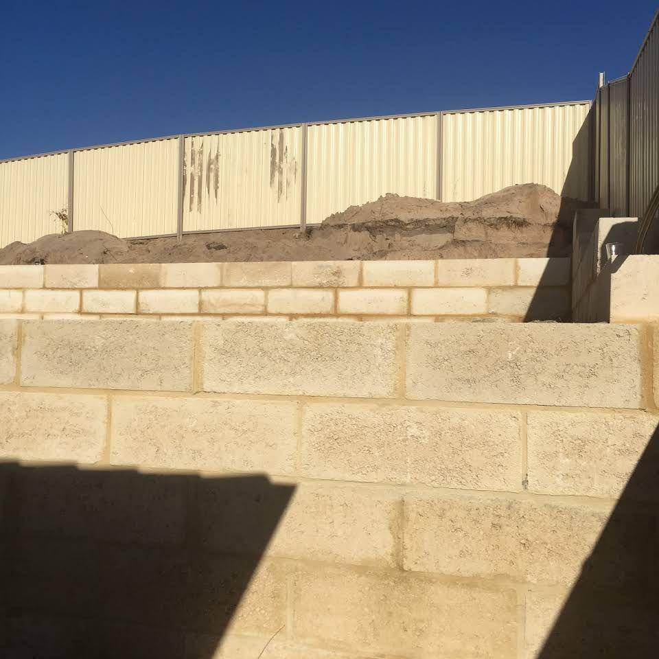 Limestone Retaining Walls Perth   Limestone Walls Contractor Perth