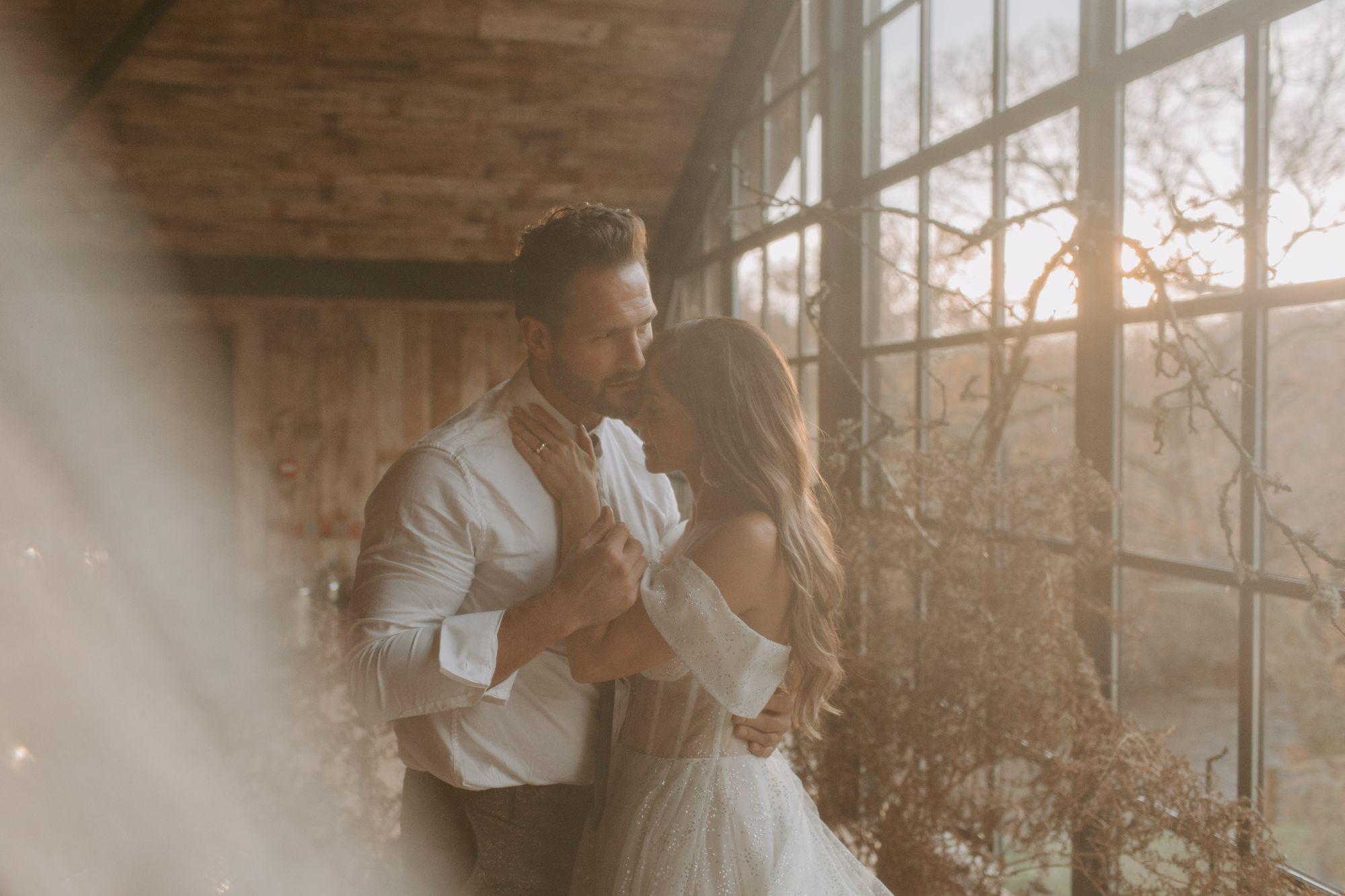 barn wedding photography UK