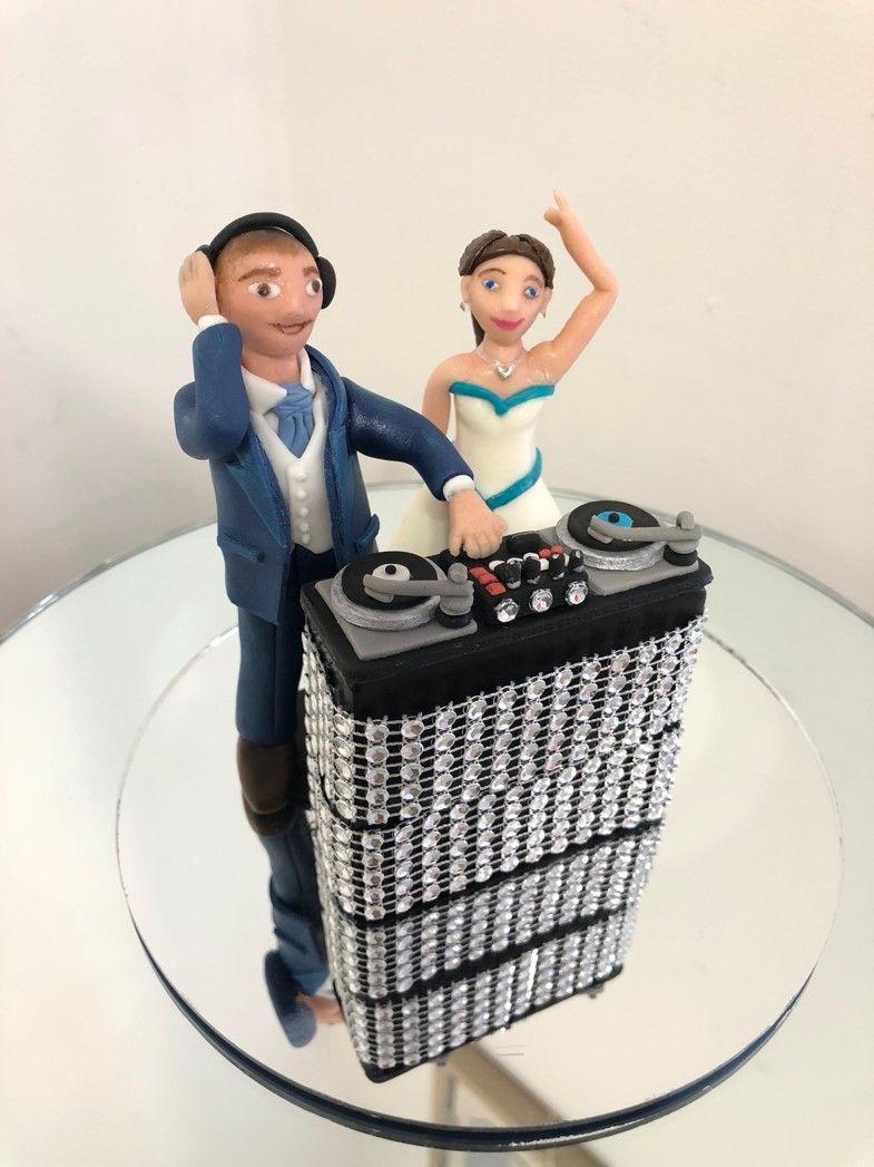 DJ Wedding Cake