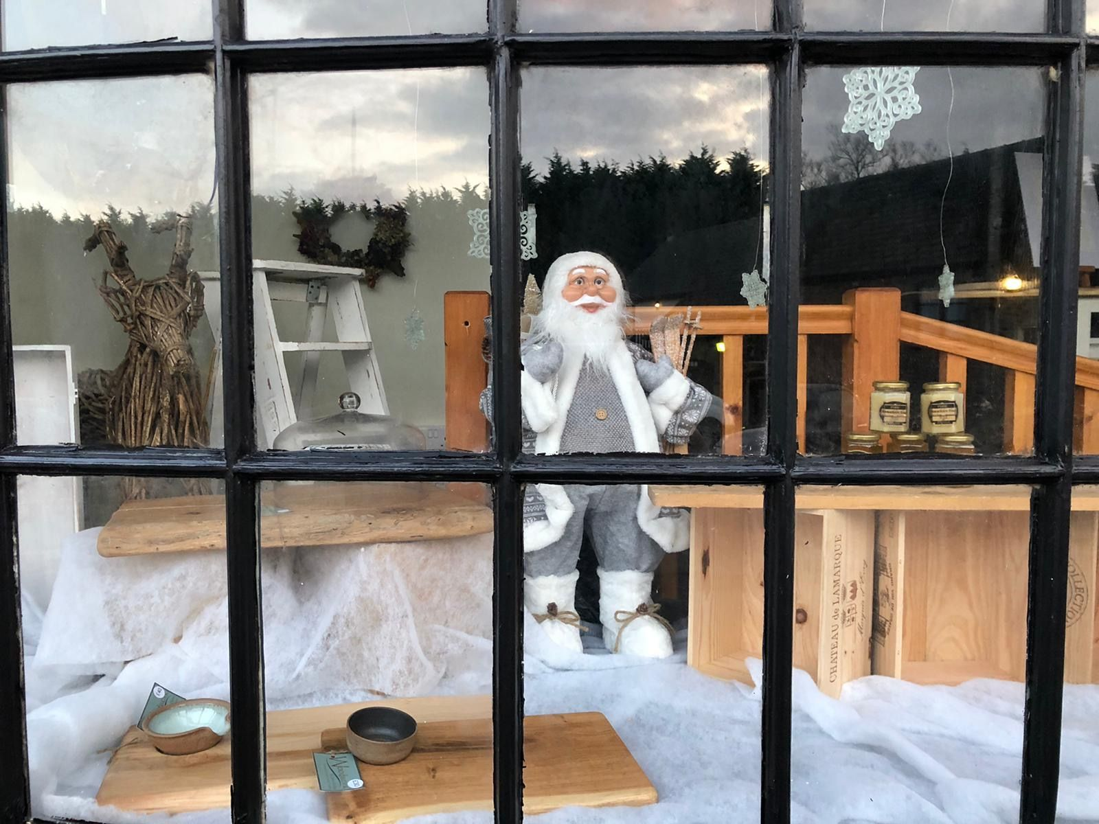 The Cwtch luxury Welsh gift shop window