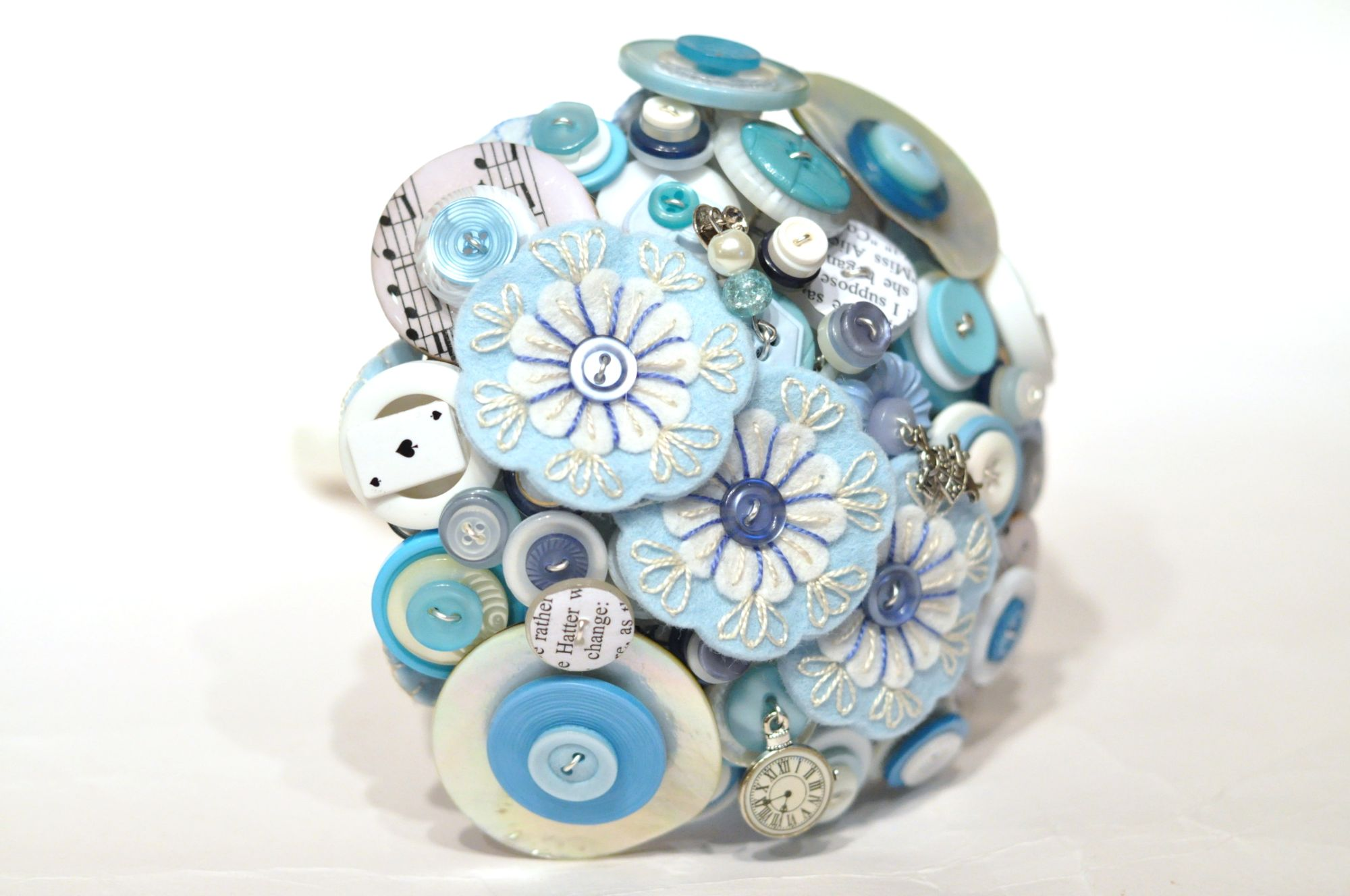 Alice in wonderland button bouquet (4).JPG