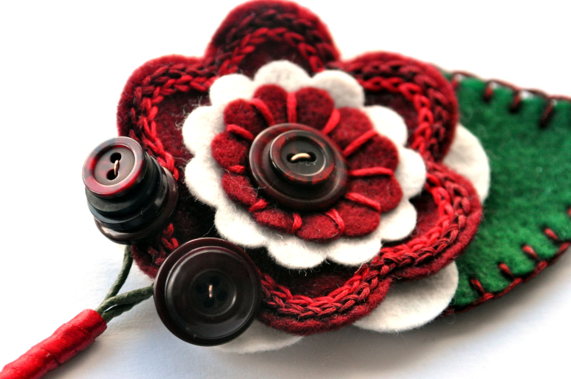 embroidered felt buttonhole (10).JPG