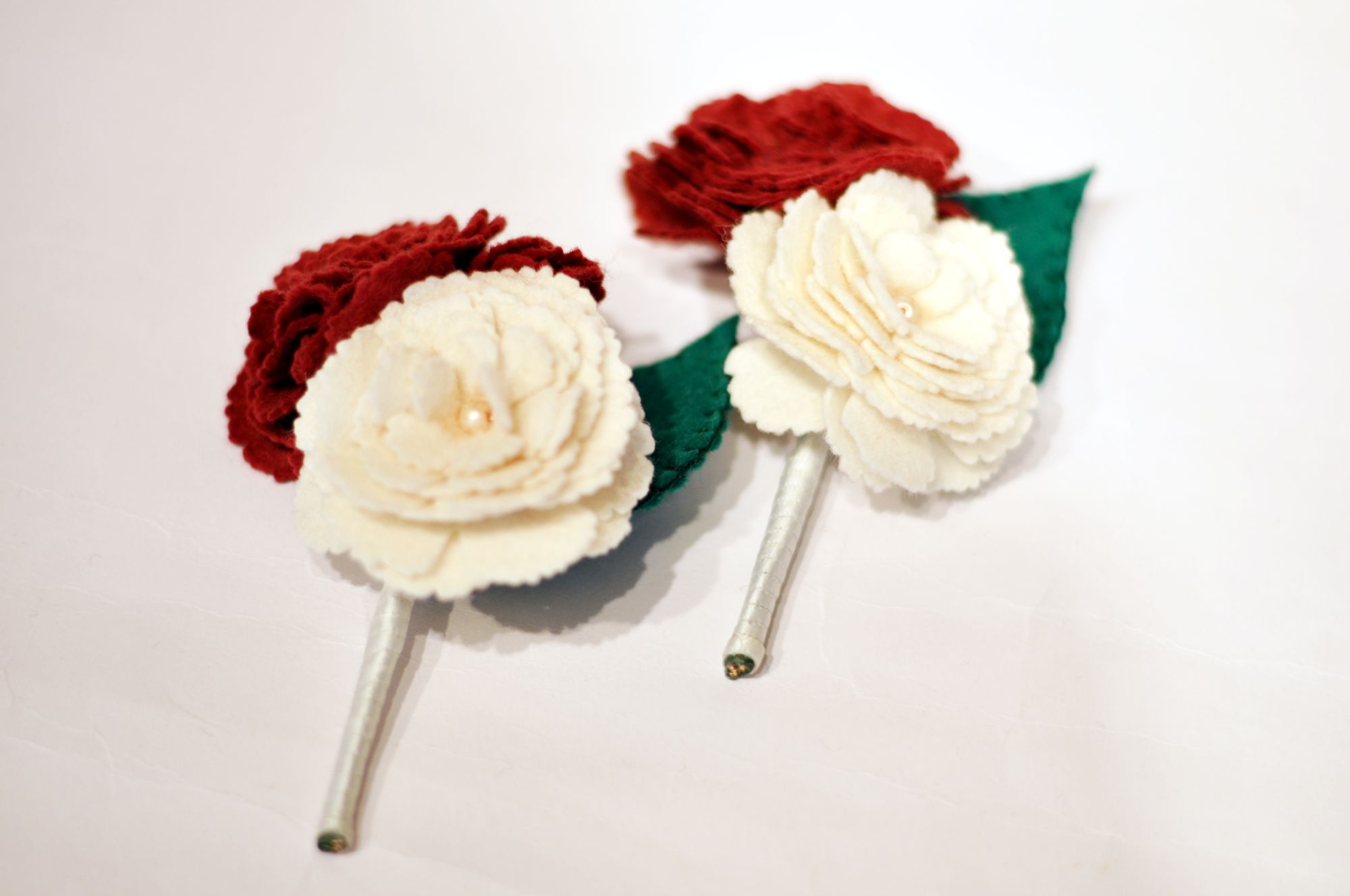 felt flower buttonhole (2).JPG