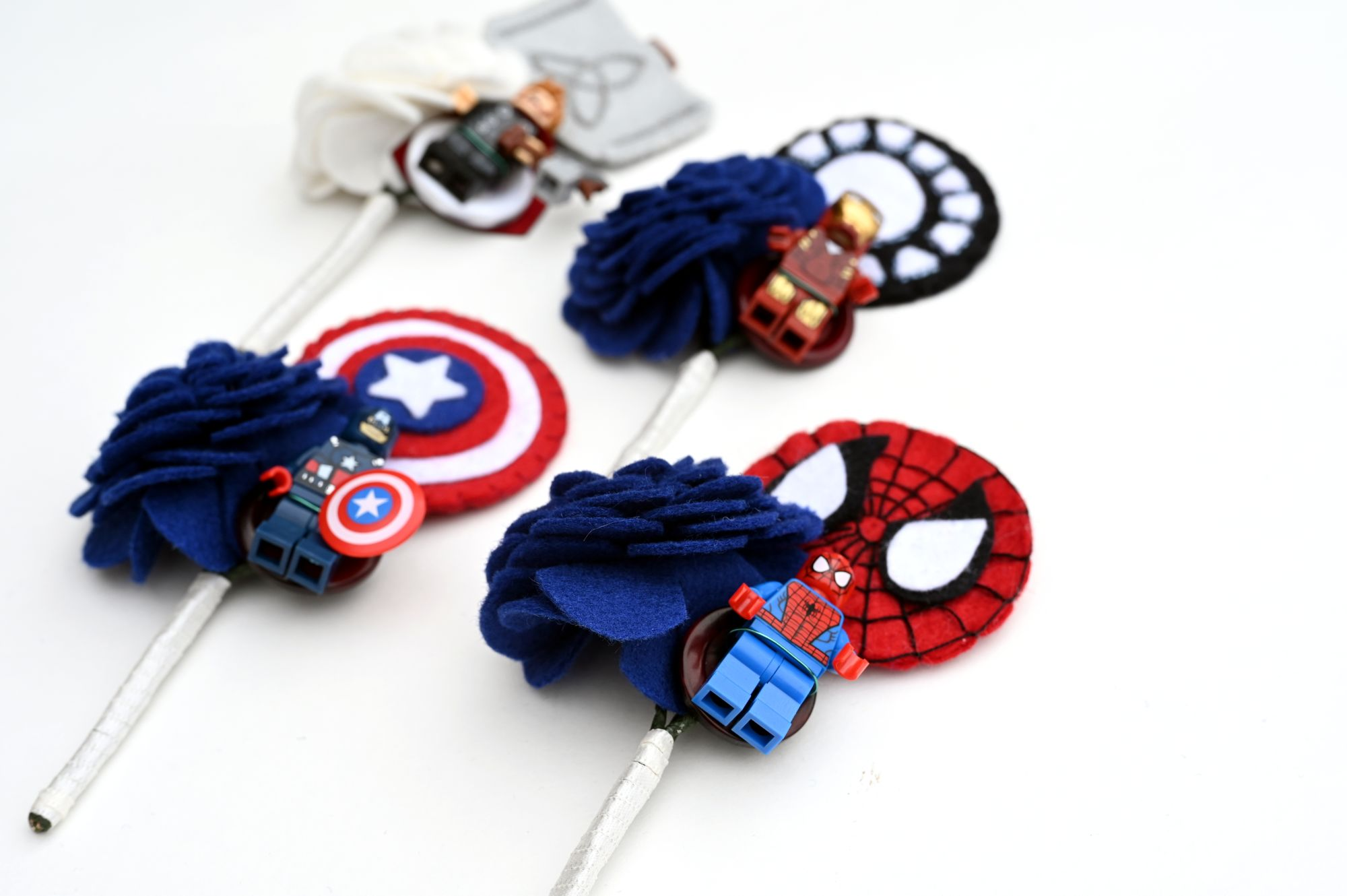 Marvel buttonholes