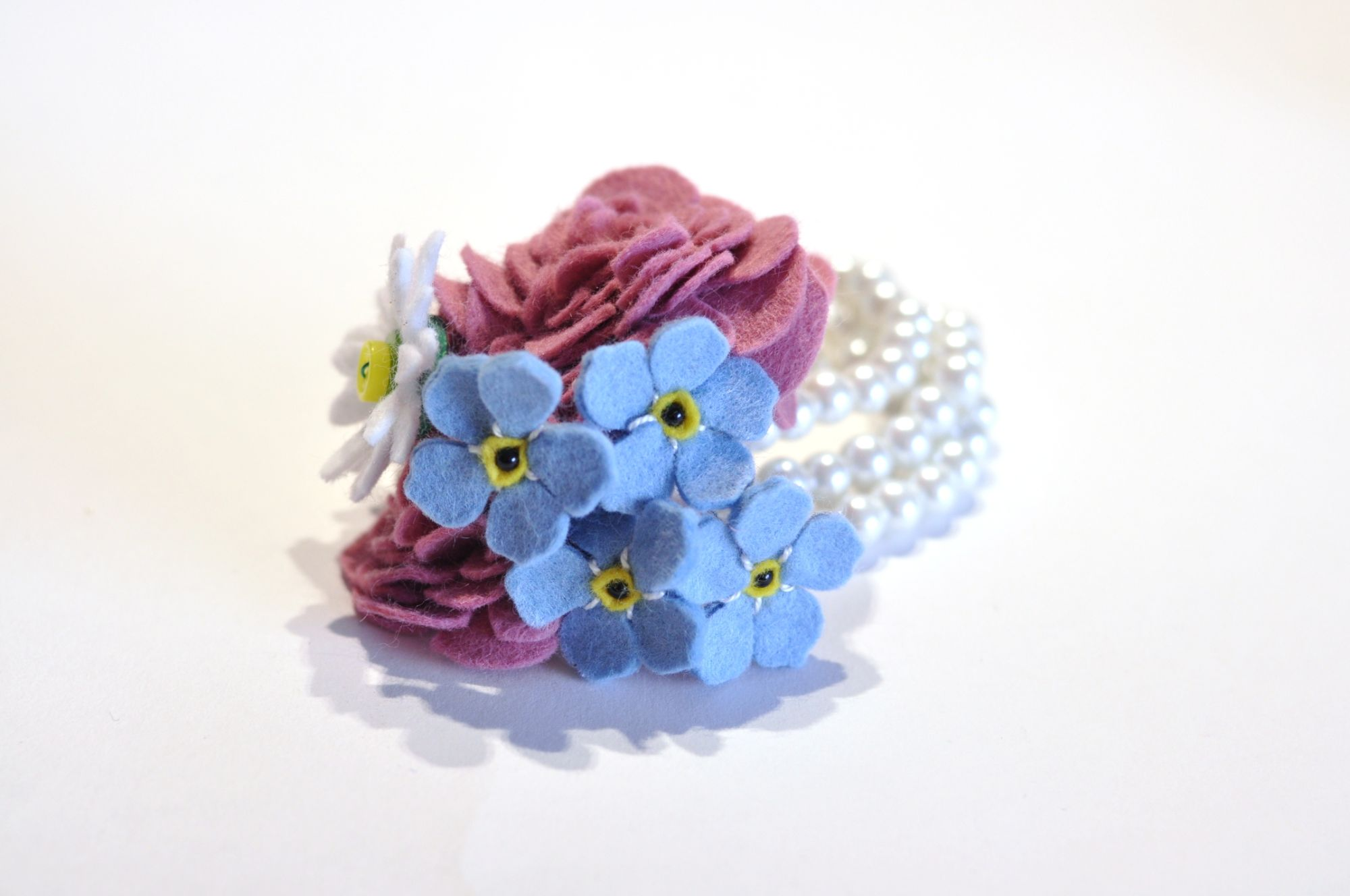 Alternative wedding corsage