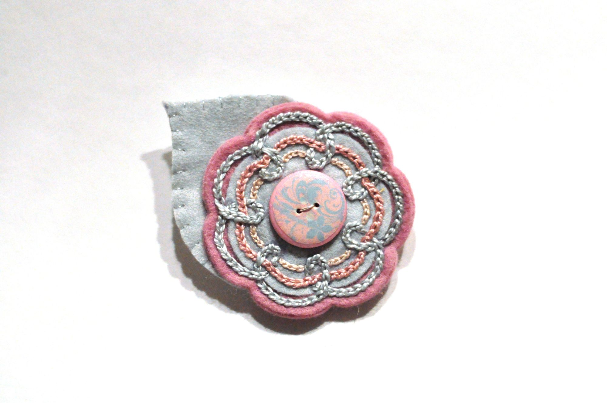 felt embrodiered brooch