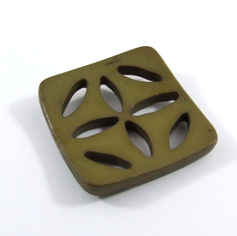 Dill petal cut-out design square buttons 60mm - Moss Green