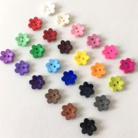 Daisy Flower Shaped Buttons - 13mm & 15mm