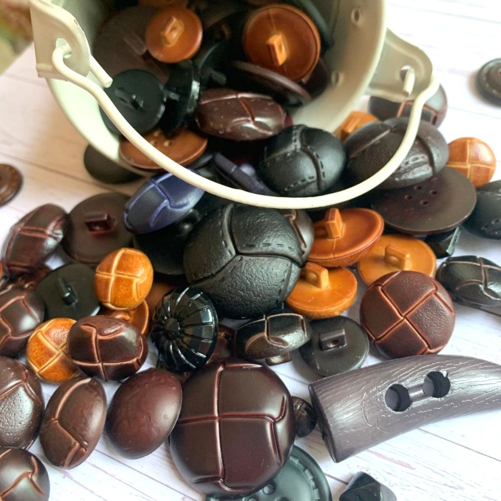 50g Assorted 'Toggles/Shanks' Button Mix
