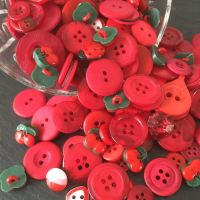 50g Assorted 'Super Reds' Button Mix