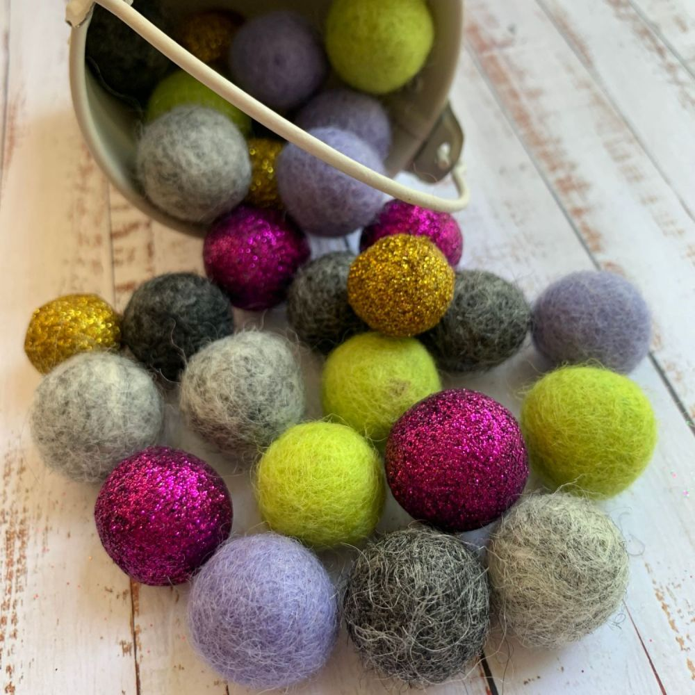 Jazz Glitter Wool Felt Balls Mix (30)