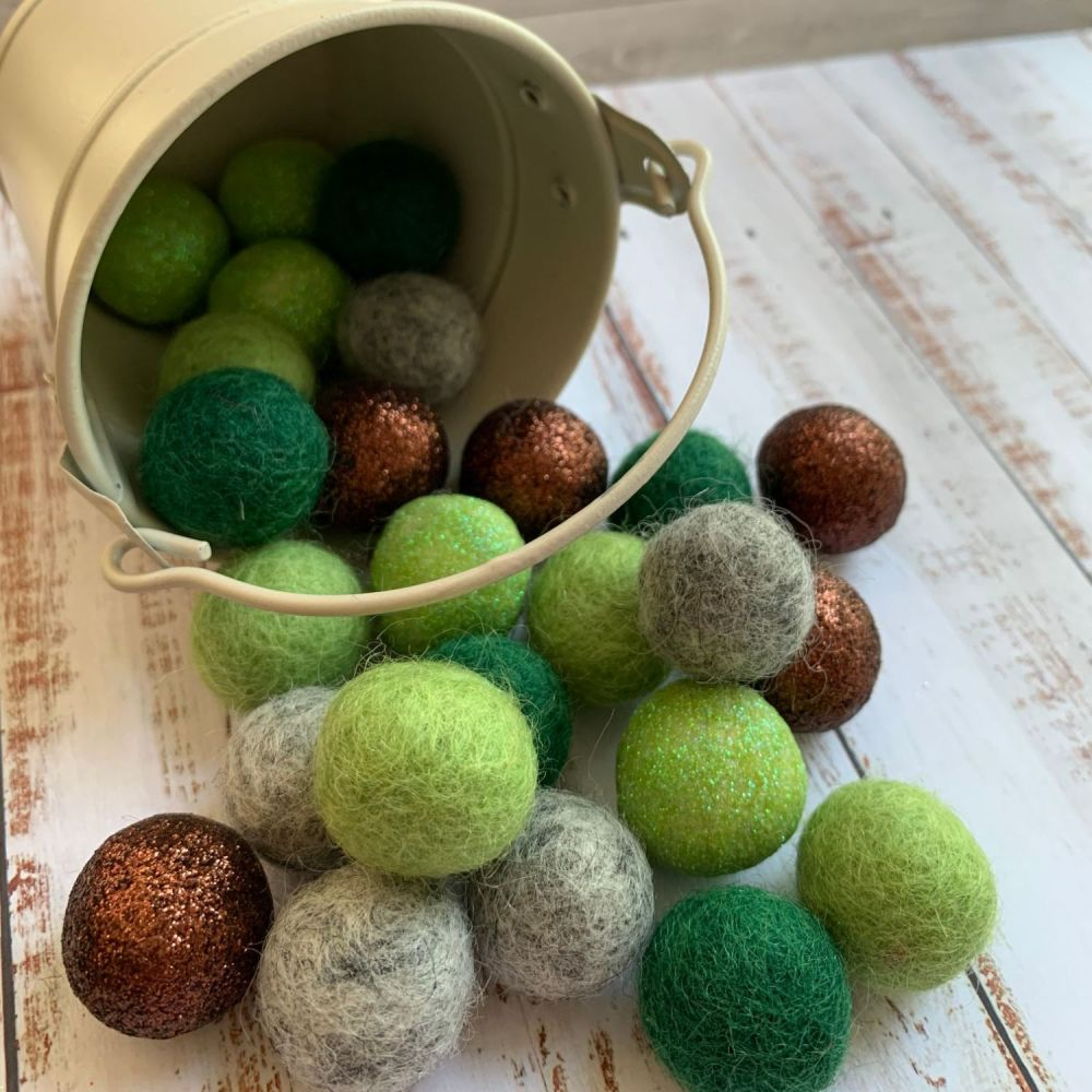 Forest Glitter Wool Felt Balls Mix (30)