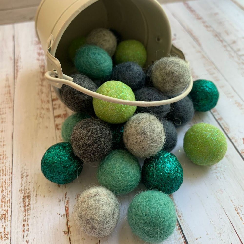 Emerald Glitter Wool Felt Balls Mix (30)