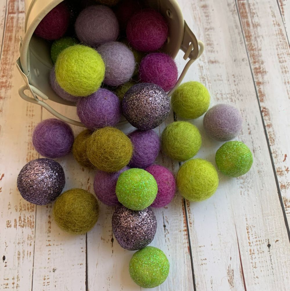 Lavender Fields Glitter Wool Felt Balls Mix (35)