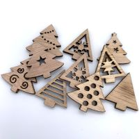 Mixed Wooden Christmas Trees (10 pack)