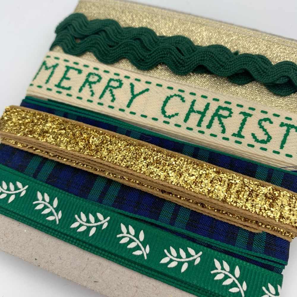 Merry Christmas Green Ribbon Collection