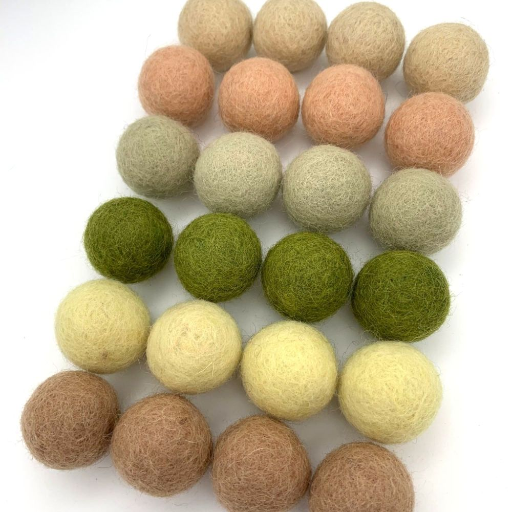 Wheat Fields Wool Felt Balls Mix (24)