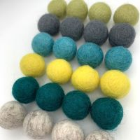 Timeless Wool Felt Balls Mix (24)