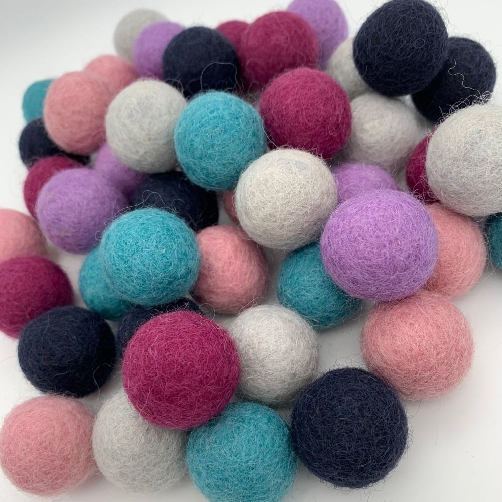 Berry Burst Wool Felt Balls Mix (24)
