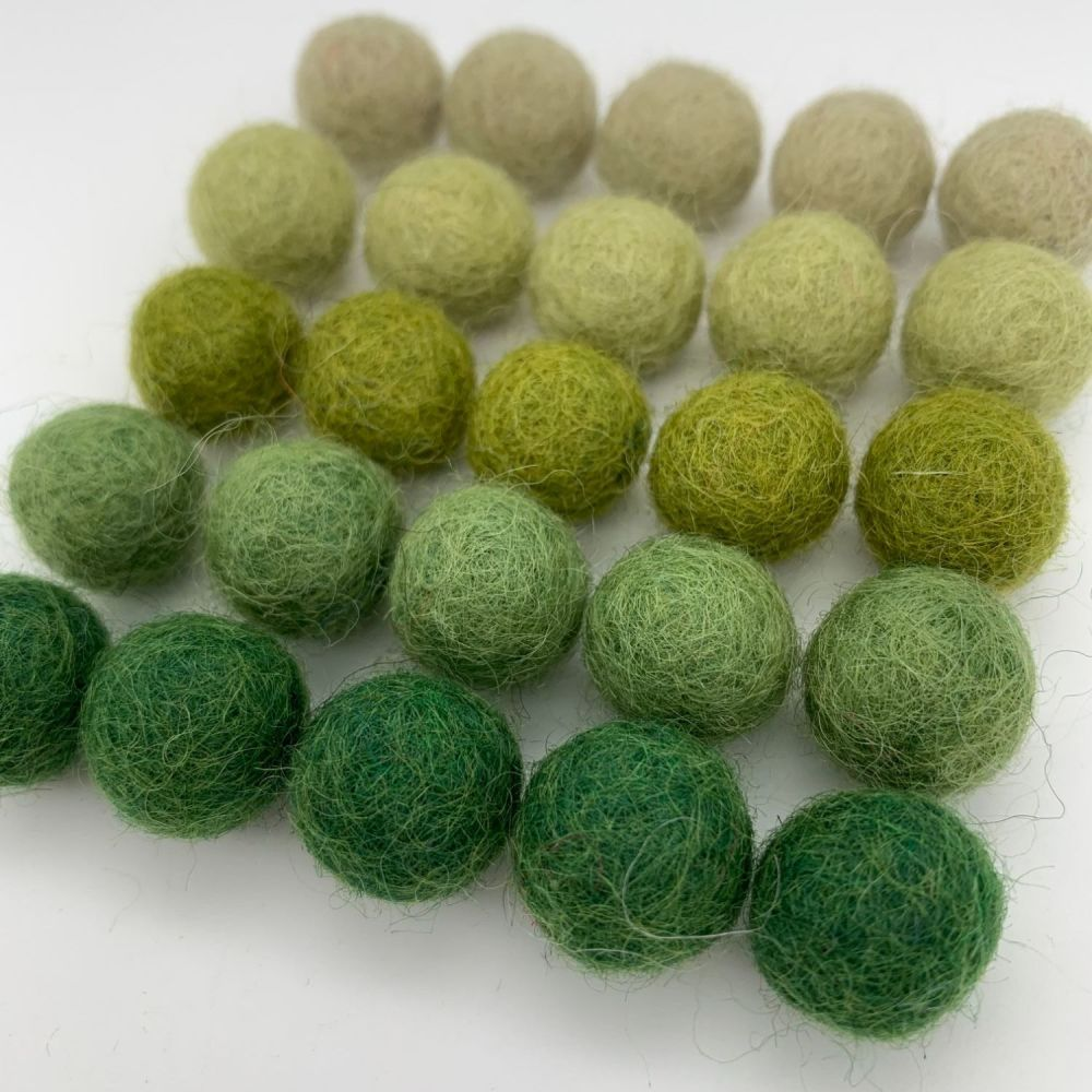 Olive Ombré Wool Felt Balls Mix - 3 Sizes