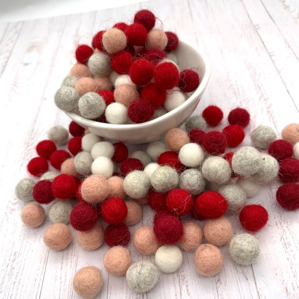 Sweetheart Wool Felt Balls Mix - 3 Sizes