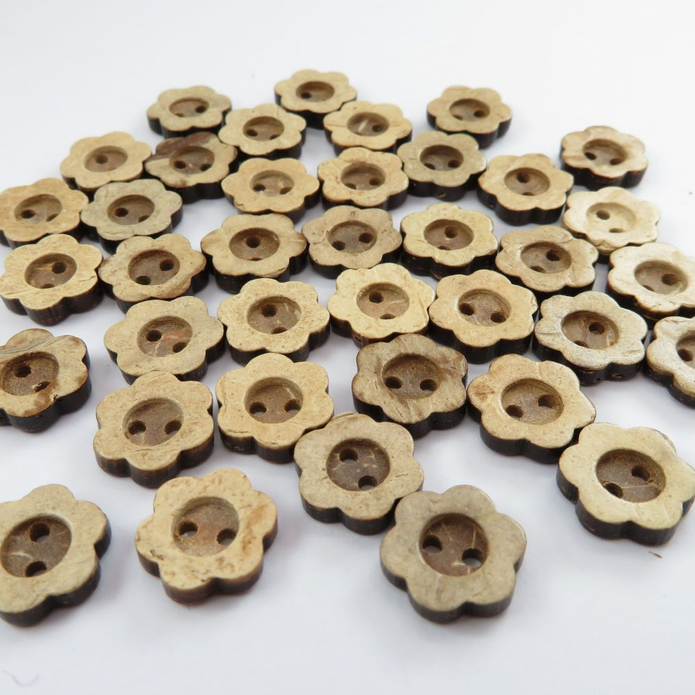 13mm Ditsy Flower Shaped Coconut Shell Buttons
