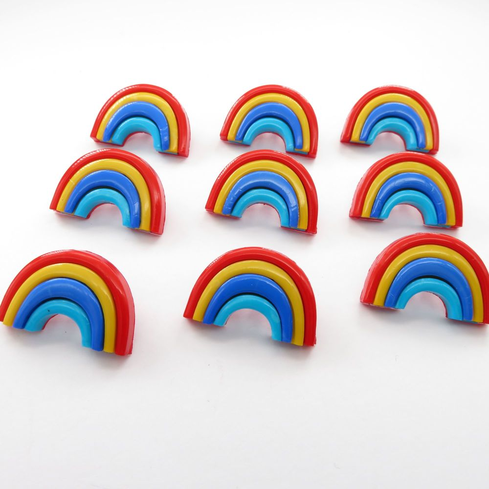 Rainbow shaped shank buttons