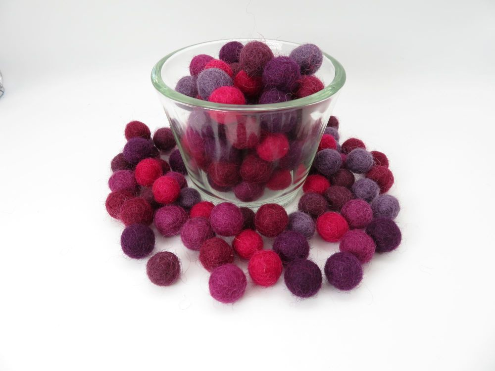 Grape Ombré Wool Felt Balls Mix - 1.5cm