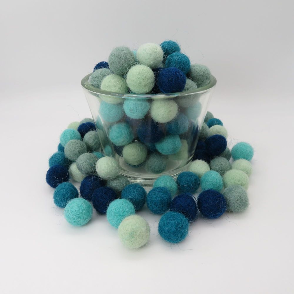 Turquoise Ombré Wool Felt Balls Mix - 3 Sizes