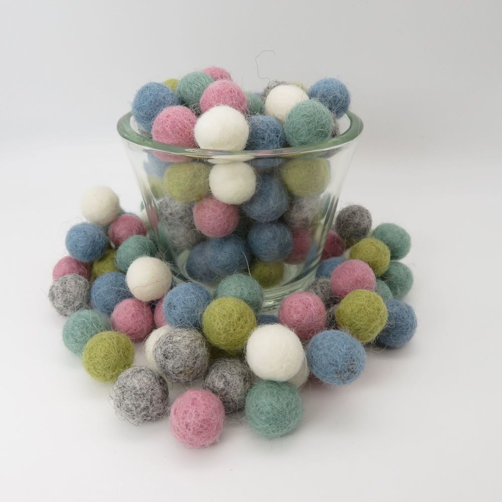 Tranquil Inspired Wool Felt Balls Mix (24)