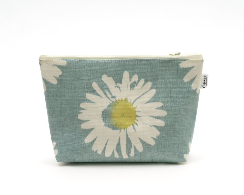 Large Daisy, Wipe Clean Cosmetic Bag