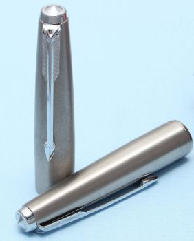 Later Parker 61 or 65 Cap in Lustraloy. Made in UK (S309)