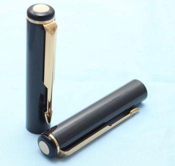 Parker Rialto / 88 Fountain Pen Cap in Laque Metallic Grey. (S217)