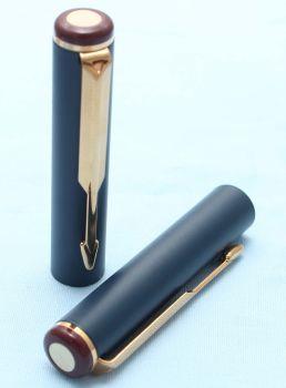 Parker Rialto / 88 Fountain Pen Cap in Matt Navy. (S220)