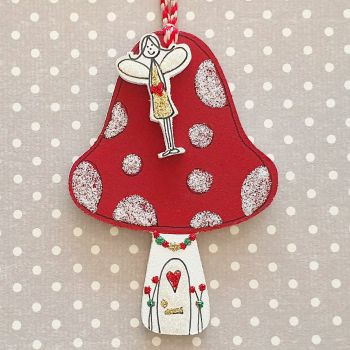Sparkly Fairy and her Toadstool House