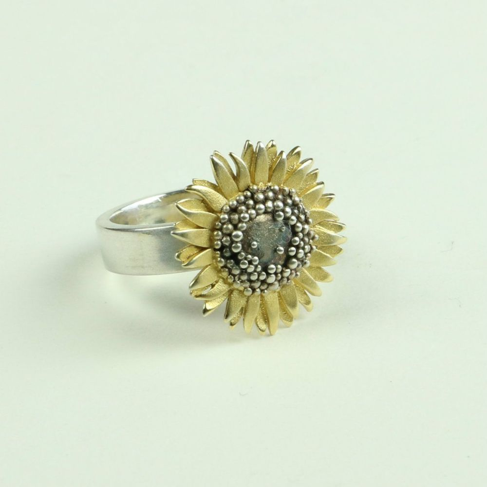 Sunflower medium ring