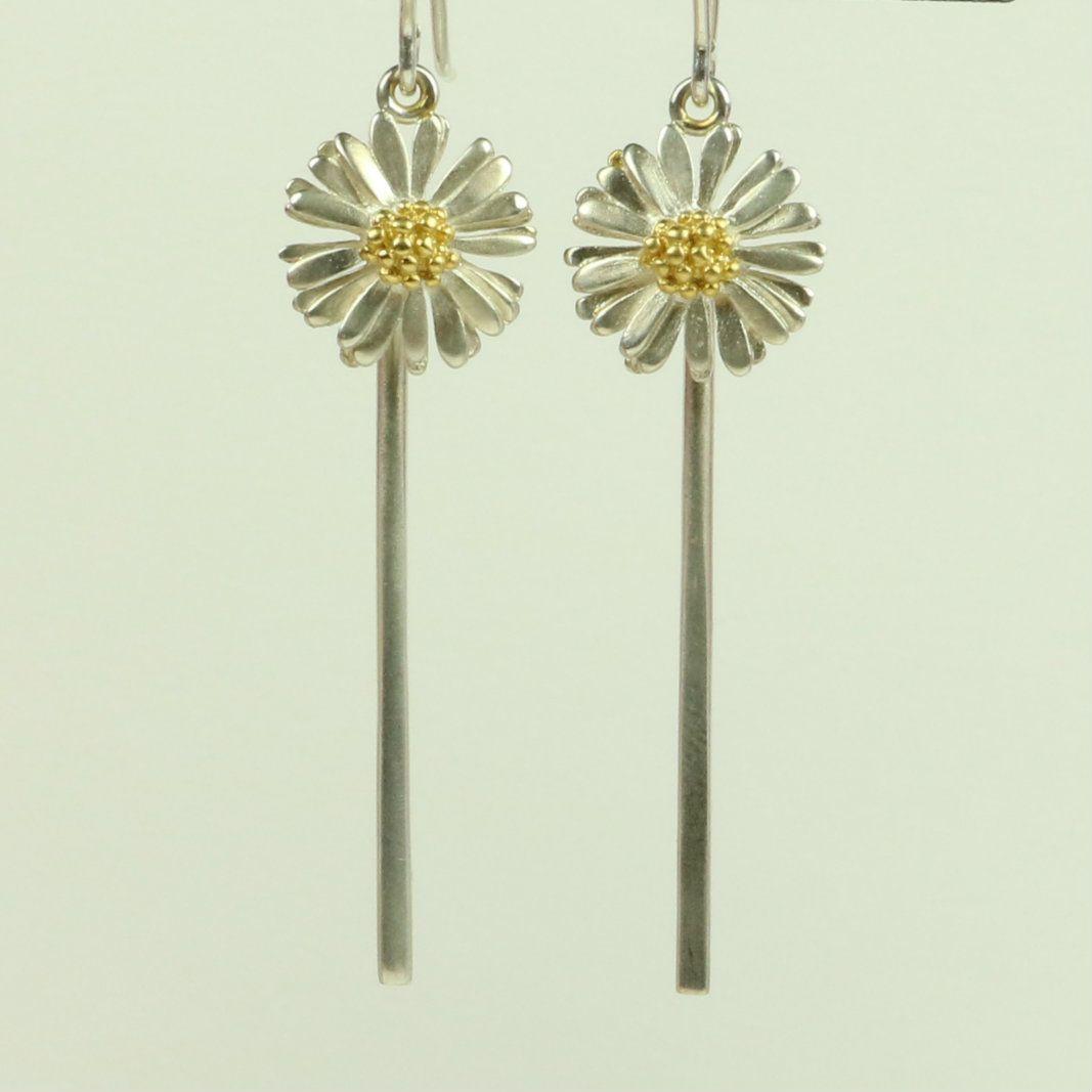 Daisy medium drop earings with stem