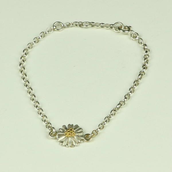 Daisy Light Bracelet with Small Daisy