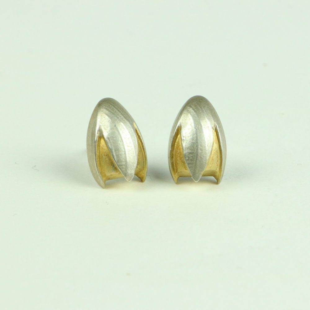 Fuchsia Medium Stud Earrings
