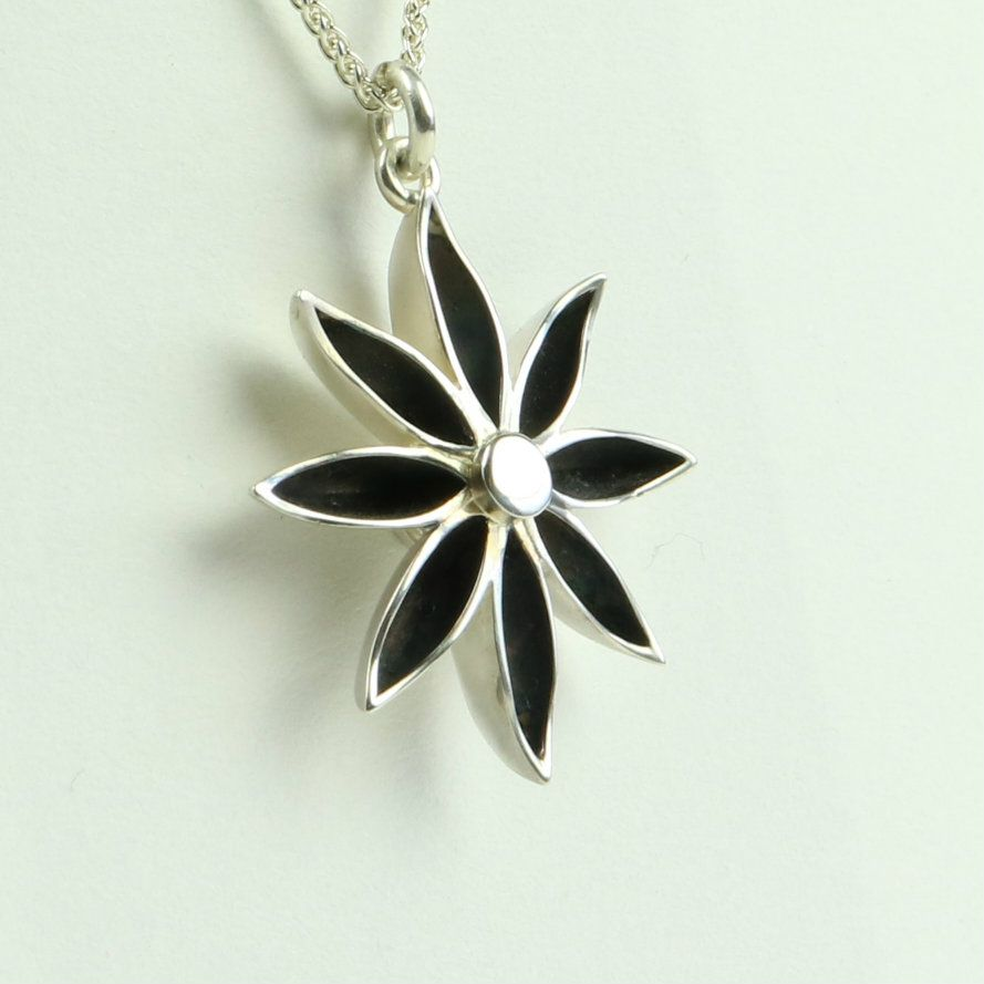 Star Anise Large Pendant