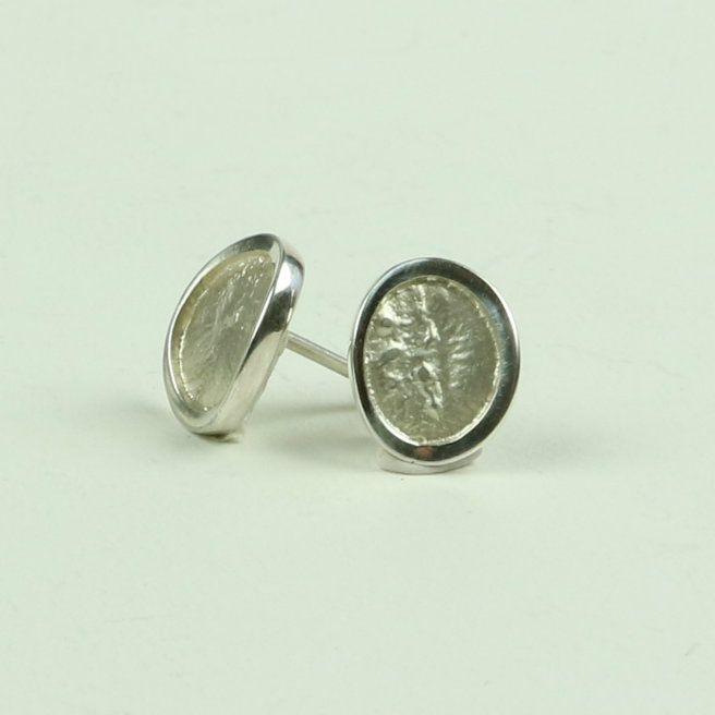 Natura medium stud earrings in reticulated silver with polished edge 12mm x
